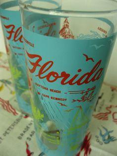 details of a set of 2 vintage souvenir Florida glasses from 3floridagirls!!  http://www.etsy.com/listing/96966238/set-of-2-vintage-souvenir-florida