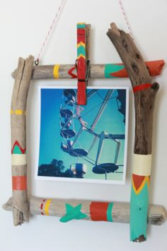 DIY Driftwood Picture Frame