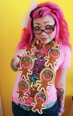Gingerbread Scarf - Twinkie Chan - I like her style!