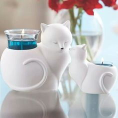 - Collection Nature's Love™ by PartyLite la maman & le bébé ChatNatures Love by PartyLite Katzen-Baby und Mama www.You'll be purring like a pussy cat with our beautiful mom and kitten holders!Mothers set perfect examples to others especially thos Cat Lover Gifts, Cat Gifts, Bougie Partylite, Cat Candle, Cat Accessories, Paperclay, Baby Cats, Tea Light Holder, Crazy Cat Lady