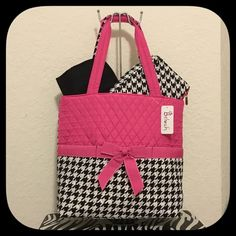 "🎀‼️SALE‼️Belvah Quilted  3pc Diaper Tote Bag🎀 🎀Belvah Quilted Pink/Black/White 3 o'clock Diaper Tote Bag. Zipper Closure Front Three Open Pockets Rear Zipper Pocket Metal Feet on Bottom Gingham Lining Monogrammable Cosmetic Purse and changing pad Included Ribbon Accent Three Open Pockets Inside Materials : Microfiber Length/Height/Width : 15.0"" / 13.0"" / 5.5"" Belvah Bags Baby Bags"