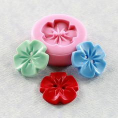 Vintage Flower Button Silikonform Schimmel Harz, Fimo, Schokolade, Fondant, Candy Source by et Diy Buttons, Vintage Buttons, Isomalt, Biscuit, Types Of Mold, Mini Marshmallows, Button Flowers, Button Crafts, Resin Crafts