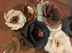 Fleurs en papier géantes neutre. Fleurs métalliques. Fleurs