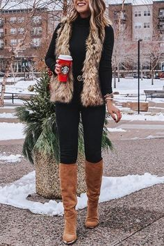 winter outfits with leggings - winteroutfits Vest Outfits For Women, Fur Vest Outfits, Cute Fall Outfits, Winter Outfits Women, Casual Winter Outfits, Winter Fashion Outfits, Mode Outfits, Autumn Fashion, Clothes For Women