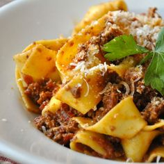 I love pappardelle and I think this recipe would be wonderful with turkey or no beef at all as well. YUM!!
