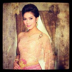 benz-thai-dress-finale-mag (1)