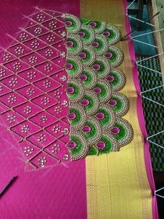 Cutwork Blouse Designs, Wedding Saree Blouse Designs, Saree Blouse Neck Designs, Fancy Blouse Designs, Embroidery Blouses, Aari Embroidery, Hand Embroidery Designs, Embroidery Stitches, Hanuman Images