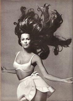 Lauren Hutton - US Vogue June 1968