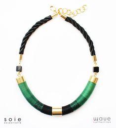 Wave nyaklánc – méregzöld/fekete