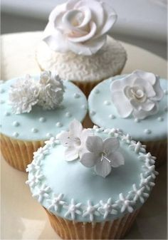 pale blue cup cakes