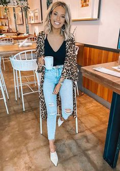 30 produções para você testar em março - Guita Moda Trendy Outfits, Summer Outfits, Cute Outfits, Fashion Outfits, Winter Outfits, Look Kimono, Neutral Outfit, Friends Fashion, Casual Looks