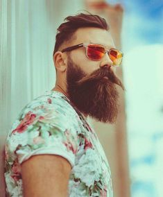 Get a healthier & thicker beard with Beard Growth Oil & grow your beard faster without any side effects. Buy best beard oil to promote facial hair growth. Facial Hair Growth, Beard Growth Oil, Great Beards, Awesome Beards, Beard Styles For Men, Hair And Beard Styles, Best Beard Shape, Growing A Full Beard, Men Fashion