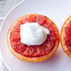 Broiled grapefruit with brown sugar and yogurt