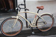 johnny loco / holland bike in paris