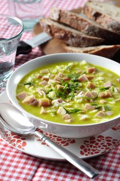 Courgette and ham soup Dutch Recipes, Healthy Soup Recipes, Cooking Recipes, Ham Soup, Warm Food, Best Food Ever, Soups And Stews, Food Inspiration, Ethnic Recipes