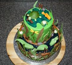 swamp cake - love the gator in the water