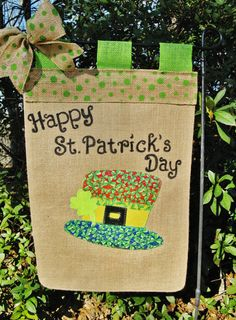 St. Patrick's Day Garden Flag* Saint Patrick's Day Burlap Flag* Luck Of The Irish Flag* Leprechaun Hat Garden Flag