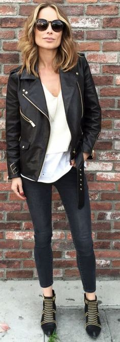 Anine Bing Charlie boots, denim, vintage leather jacket, knitted top, t-shirt, Paris sunglasses | Black And White Rocky Winter Street Style | Anine's World