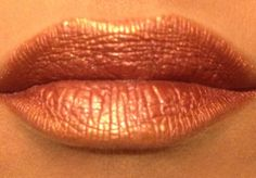 """""""Foiled Lips"""" Heartbroken with gorgeous on top. Heartbroken applied wet.  More than just Eye Minerals Pigment! Shop My Parties www.PamelaLee3DLashes.com"""