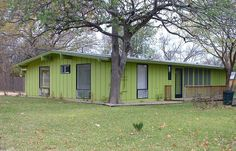 Paint Your Home a Shade of Green? These Photos May Convince You: Leaf Green Ranch House