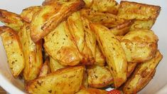 Backofenkartoffeln einfach und lecker 3 potato al horno asadas fritas recetas diet diet plan diet recipes recipes Onion Recipes, Diet Recipes, Snack Recipes, Healthy Recipes, Snacks, Potatoes In Oven, Baked Potatoes, Baked Greek Chicken, Liver And Onions