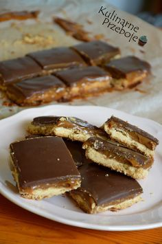 Ciasto milionera – inaczej Caramel shortbread (millionaires shortbread) to tra. Short Bread, Cake Recipes, Dessert Recipes, Slow Food, Chocolate Desserts, No Bake Desserts, Cake Cookies, Us Foods, Holiday Recipes