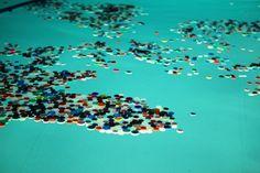 Il Garbage Patch State di Maria Cristina Finucci arriva a New York, all'Onu. Un arcipelago di rifiuti plastici, per riflettere sul disastro ambientale oceanico
