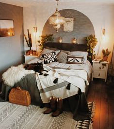 25+ Boho Bedroom Decorating Ideas decorated with different decorative throw pillows.