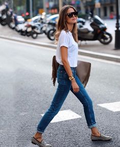 Jeans and Denim Skirts That Will Make you look more youthful – Page 4 Neue Outfits, Edgy Outfits, Fashion Outfits, Womens Fashion, Fashion Clothes, Latest Fashion, Fashion Tips, Fashion Trends, Outfits Blanco