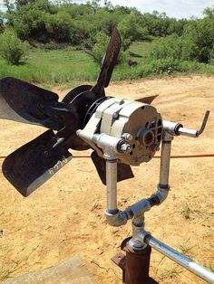 Wind Turbine - Renewable Energy Turn a car alternator into alternative energy by building this cheap and easy homemade wind generator.Turn a car alternator into alternative energy by building this cheap and easy homemade wind generator. Diy Solar, Off The Grid, Solar Energy, Solar Power, Solaire Diy, Alternative Energie, Off Grid Solar, Mother Earth News, Save Energy