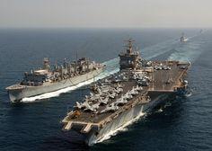 Otro buque que ha destacado en la historia naval es el USS Enterprise. Antiguo portaaviones de la Armada de los Estados Unidos. Fue el primer portaaviones nuclear del mundo y actualmente es el buque de guerra más grande que existe, con 342 metros de eslora, capacidad para 70 aviones, y 3000 soldados de dotación.