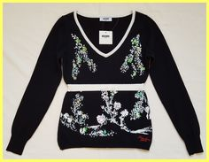 Moschino Floral Beaded Embellished 38 Sweater. Free shipping and guaranteed authenticity on Moschino Floral Beaded Embellished 38 SweaterNew With Tags MOSCHINO Jeans Black / White Silk / ...