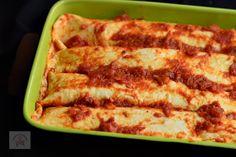 Enchiladas cu pui - CAIETUL CU RETETE Enchiladas, Bacon, Breakfast, Food, Morning Coffee, Eten, Meals, Morning Breakfast, Diet