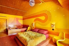The Dive Motel & Swim Club has shag carpet, disco balls, and one of the coolest bars in Nashville, Tennessee.