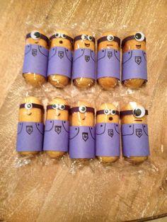 Minion Twinkies for a school snack.