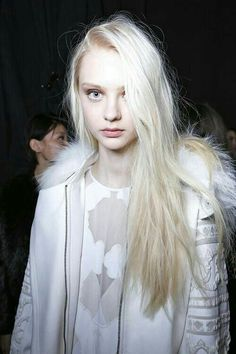 Image uploaded by maru Find images and videos about model and nastya kusakina on We Heart It - the app to get lost in what you love. Blonde Beauty, Blonde Hair, Hair Beauty, Modelo Albino, Pretty People, Beautiful People, Albino Girl, Nastya Kusakina, Hair And Beauty