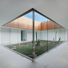 inner courtyard / Isay Weinfeld (Brazilian Architect) House in Sao Paulo: