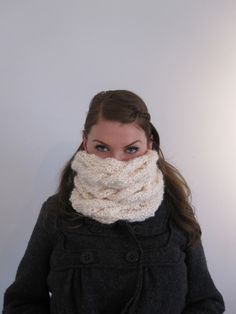 Easy cabled cowl scarf : free knitting pattern