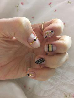 Jell Nail skin design gold N black