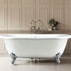 Best Clawfoot Tub Luxury Design Our Favorite Square Bathtub, Small Bathtub, Clawfoot Bathtub, Small Bathroom, Stone Bathtub, Cast Iron Bathtub, Minimalist Showers, Minimalist Bathroom, Couch Storage