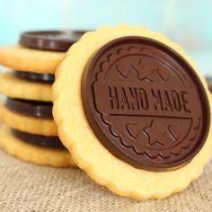 ¿Son las galletas Petit Ecolier caseras? ¡Si! las galletas de mantequilla con vainilla y chocolate de toda la vida echas en casa, y ¡super fácil!