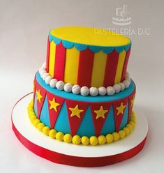 The customer completed the design with some toys. Carnival Birthday Cakes, Circus Theme Cakes, Circus Cupcakes, Carnival Cakes, Circus Carnival Party, Circus Theme Party, Birthday Party Themes, Circus Wedding, Carnival Costumes