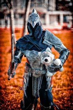 Knight Artorias and Sif - Dark Souls cosplay Sif Dark Souls, Dark Souls Artorias, Best Cosplay, Cosplay 2016, Awesome Cosplay, Bloodborne Cosplay, Deadliest Warrior, Mystic Messenger Memes, Soul Game
