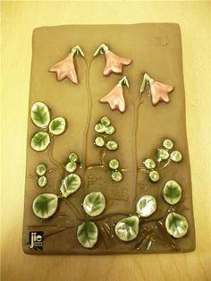 Keramiktavla väggplatta JIE retro Linnea Småland blommor tavla keramik