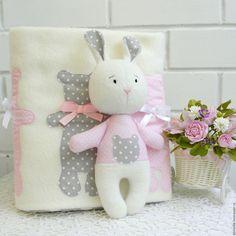 Купить Плед и зайка. - розовый, серый, белый, зайка, плед, плед для новорожденного, одеяло детское