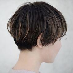 Short Hair Cuts, Short Hair Styles, Korean Haircut, Cabello Hair, Corte Bob, Grow Out, About Hair, Hair Designs, Hair Trends