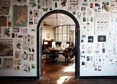 The Studio - Transistor Studios. Love the wall of clipped up items. think this what I am doing in my next studio. Workspace Inspiration, Interior Inspiration, Inspiration Wall, Home Design, Interior Design, Deco Nature, Dream Wall, Piece A Vivre, Modern Retro