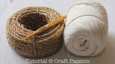 Make your own hemp basket with this crochet pattern & tutorial. Know basic crochet technique to complete it. It uses manila rope and yarn to build. – Page 2 of 2 Crochet Diy, Crochet Tote, Crochet Purses, Crochet Basics, Crochet Crafts, Crochet Projects, Crochet Basket Tutorial, Crochet Basket Pattern, Crochet Patterns