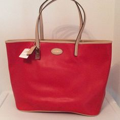 """NWT COACH Crossgrain Leather Metro Tote """"Bright Red"""" crossgrain Leather with natural color leather trim. Fabric lining and gold tone hardware.   Inside zip and 2 multifunction pockets Dog leash closure.  Double Handles with8"""" drop for shoulder wear.  2 coach hang tags  Authentic Coach Bags Totes"""