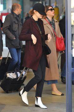 Emma Stone Arrives at Gare du Nord in Paris, December 20, 2016
